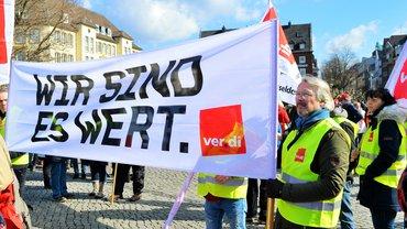 Warnstreik in Düsseldorf