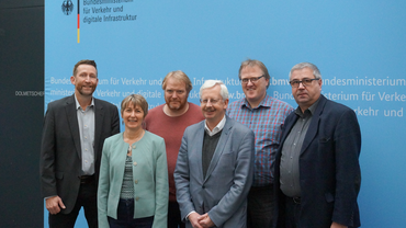 Bild zeigt v. l.: Frank Hollweg, Ute Gamper, Olaf Krabiell, Onno Dannen-berg, Thomas Schmidt, Willi Donath