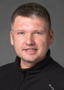 Er ist Pflegefachmann seit 2014 und arbeitet in der Unimedizin Mainz und hat dort den Tarifvertrag Entlastung mit erkämpft. In der Auseinandersetzung um die Verschiebung der Kammerwahl vertrat er ver.di im Landtag und entlarvte die Tricksereien des Kammervorstandes.