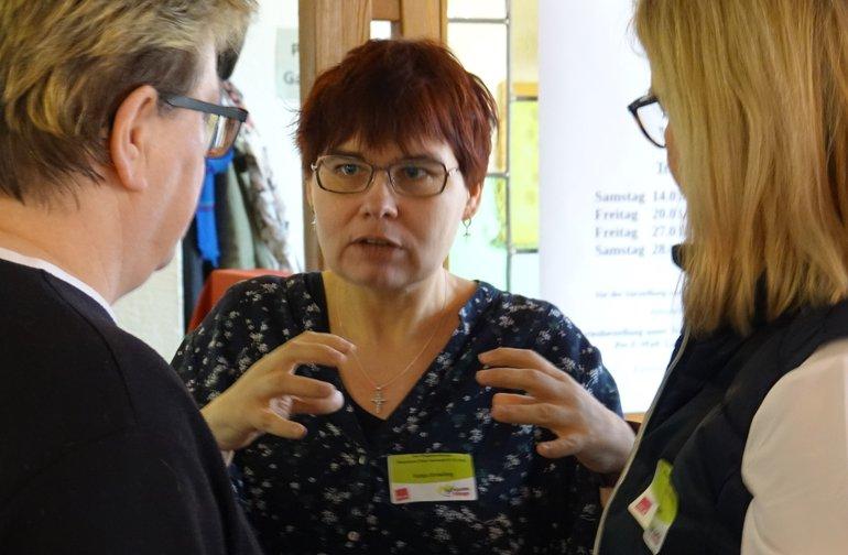 Pflegepersonen diskutieren